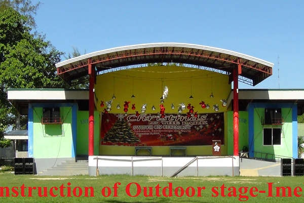 construction-of-outdoor-stage-imelda58883FE1-E5D6-28D7-C4BC-53698239AD12.jpg